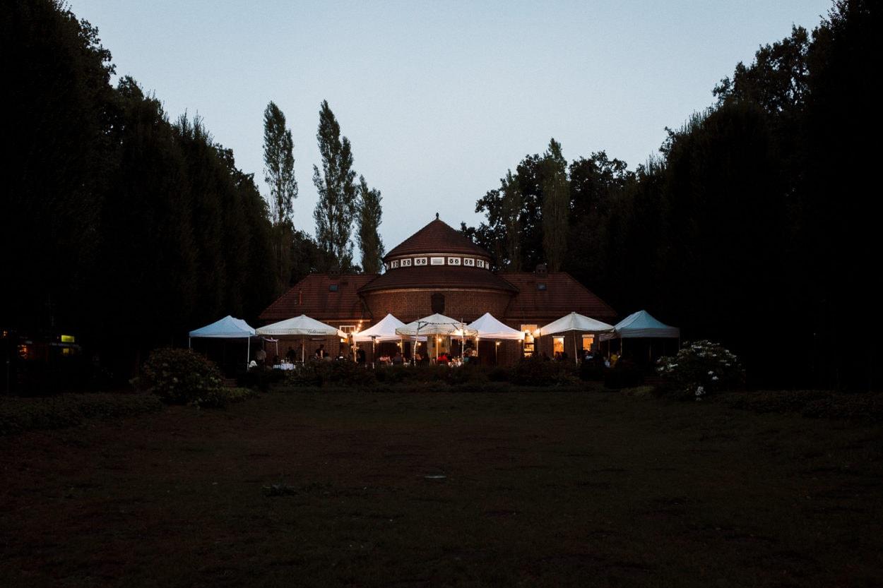 Sommerhochzeit in der Trinkhalle im Stadtpark Hamburg
