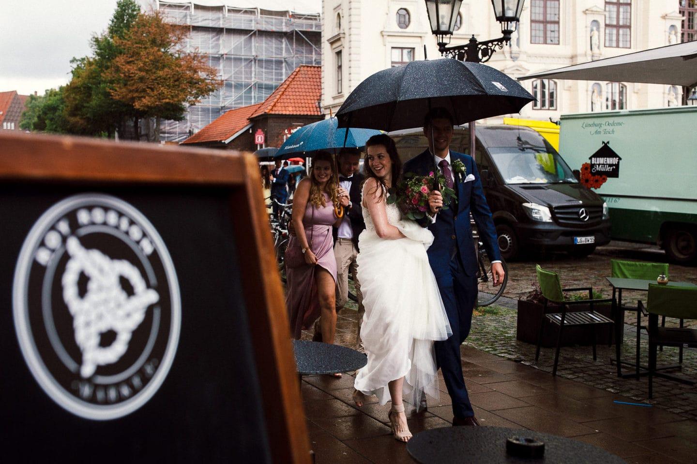 Im strömenden Regen ins Roy Robson Lüneburg