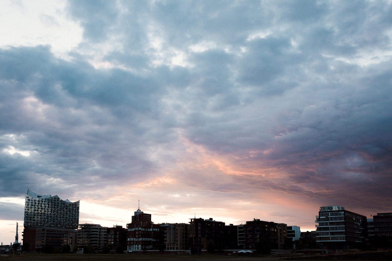 Sonnenuntergang über der Elbphilharmonie