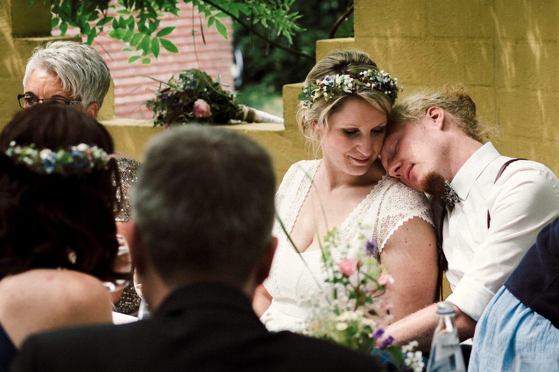 Intimer Momente des Paares im Lohfs olle Hüsken Restaurant